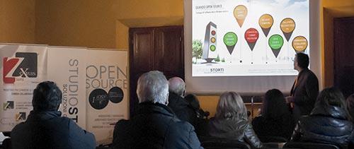OPEN SOURCE IN TOUR 2012 - Sala delle conferenze al Palazzo del Capitano c/o il comune di Montepulciano